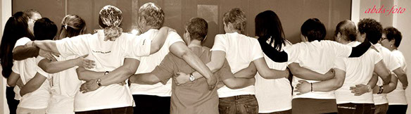abbraccio di spalle